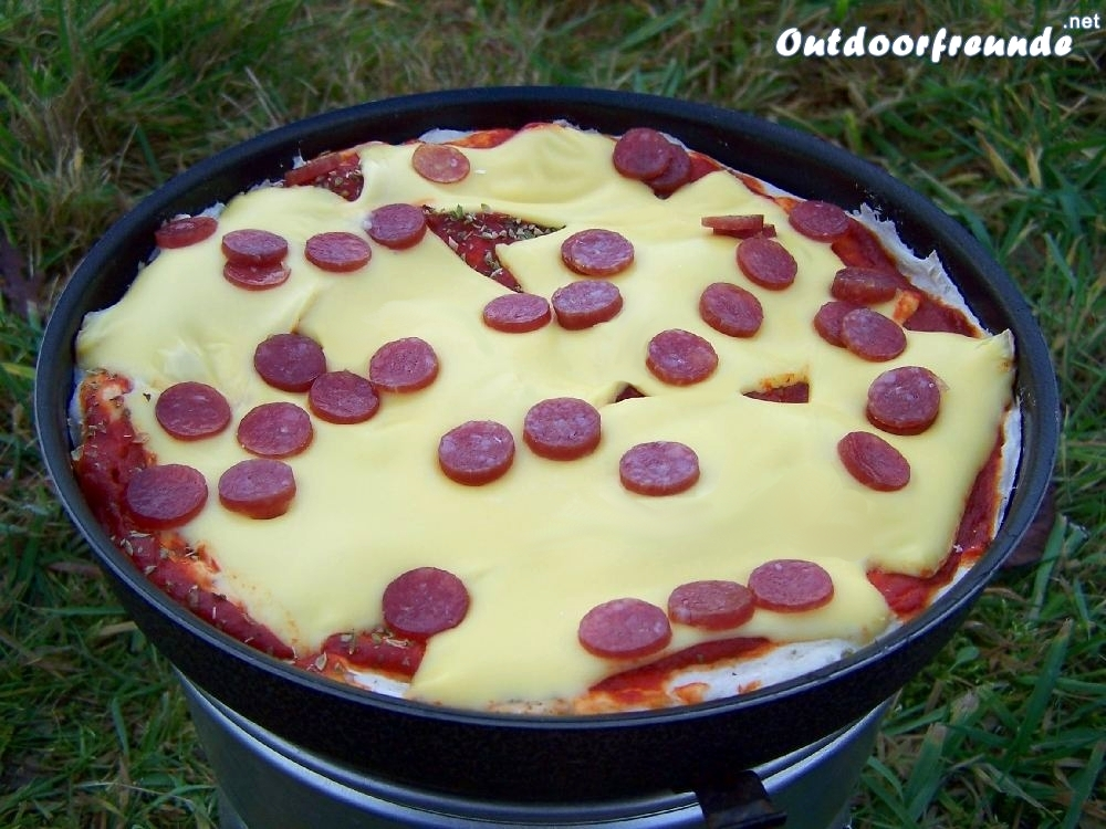 Bild Outdoor Pizza - Salami Spezial - 21 cm